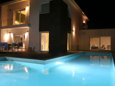 Photo for Magnificent beach house, 12.5m private pool, barbecue, private outdoor space!