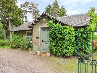Photo for GATE LODGE, pet friendly, with open fire in West Calder, Ref 1011121