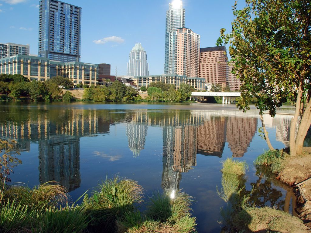 The great outdoors austin congress - Location You Re Minutes From The Texas State Capitol The University Of Texas