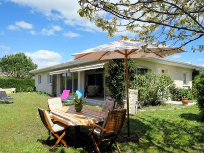 Photo for 3 bedroom Villa, sleeps 6 in Arès with WiFi
