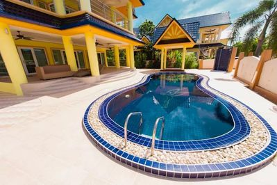 Palatial 6 Bed Pool Villa in Rawai Beach
