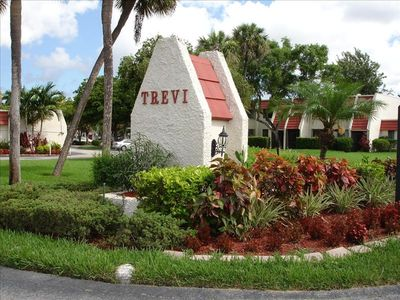 Photo for Fountains of Lake Worth, Pool Front, Free WiFi & Cable, A/C, 5min to Public Golf