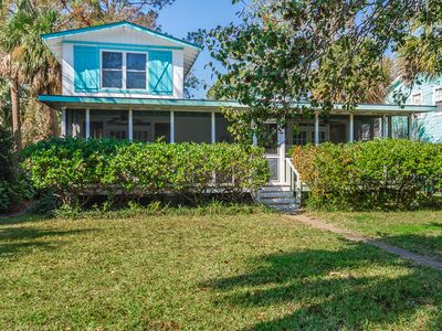 Tybee Twins-Pet Friendly! 3 Bedrooms/3 Full Baths! PRIVATE POOL! Fenced Yard