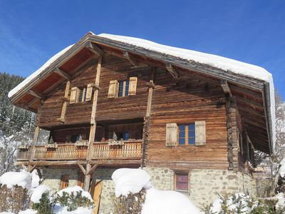Photo for 350m2 chalet 5 beds/5 baths, La Clusaz slopes 10mn drive, 1km from main road