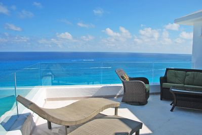 Penthouse #3000: The Private Oceanside Terrace