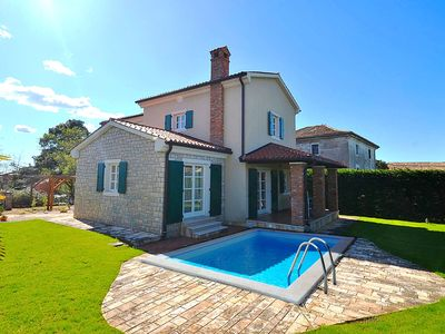 Photo for Villa Blue Dream, cozy 3-bedrooms villa with pool only 6 km away from Poreč
