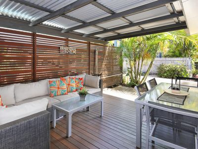Photo for Unit 2, Shady Leaves, 47- 49 Perry St, Coolum Beach, WIFI, FOXTEL, Linen incl, 500 BOND