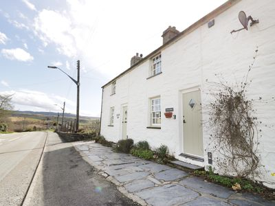 Photo for Tan y Rhos Cottage, MANOD
