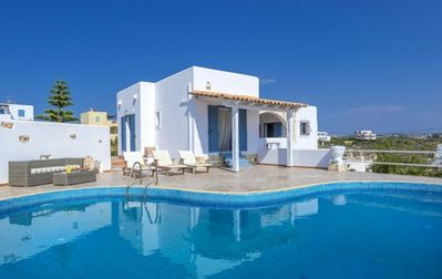 Photo for Elegant Villa With Private Pool and an Amazing Sea View !