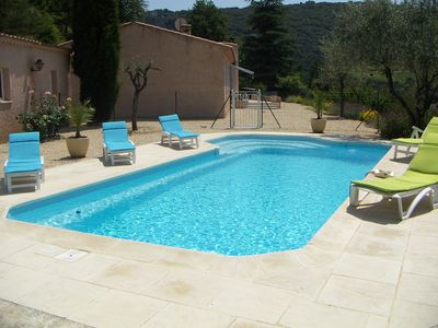 Photo for Villa 8-9 people any comfort - private swimming pool heated 5min from Vaison-La-Rom.