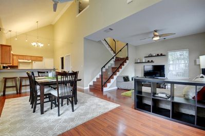 Dining Area - Welcome to Austin! Your rental will be meticulously clean for your arrival, thanks to TurnKey's professional housekeeping team.