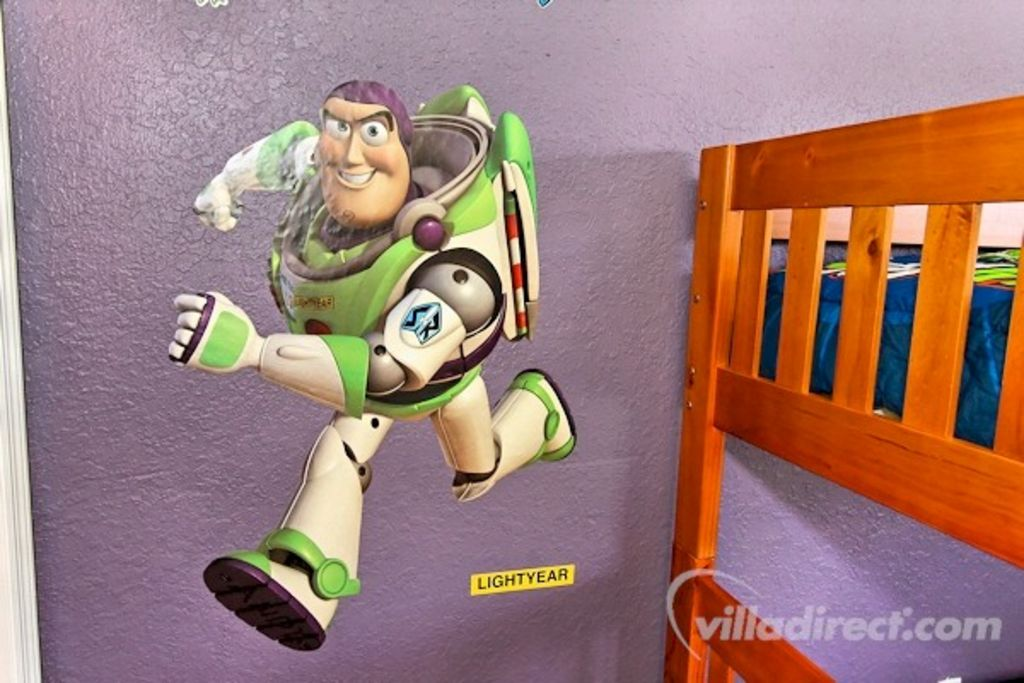 Awesome Fun Toy Story Townhouse 1 7 Mile Vrbo