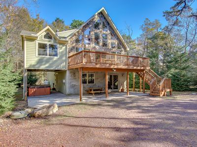 "Photo for ""Big Horn"""" Walk to Waterpark. Stunning Mountain Home, Hot Tub, Pool Table"
