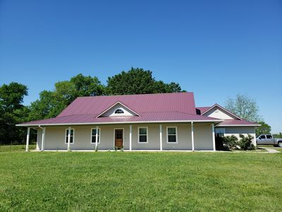Photo for Peaceful new home near lake fork