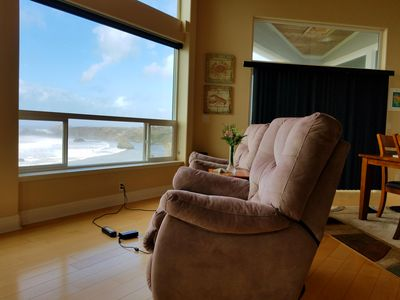 rechargeable recliner ,panoramic view of the ocean