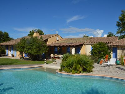 Photo for Provencal villa 4 bedrooms, with garden and heated pool for 8 people