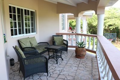 Front veranda - More  sitting lounge space