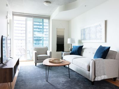 Photo for Neat 1BR   Pool   Downtown Houston