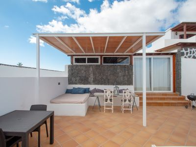 Photo for Bright and contemporary retreat - close to the beach and local attractions