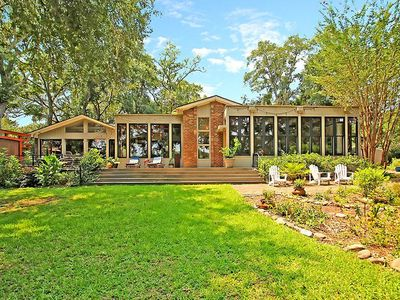 Photo for 4 Bedroom / 3 Bath Luxurious Waterfront House 5 Minutes from Downtown Charleston