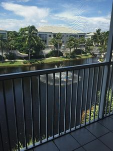 Photo for Beautiful Pelican Bay Rental (Pebble Creek -- walking distance to tram & beach)