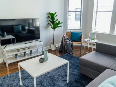Photo for Superhost! Logan Square- 5min to Trendy Nightlife