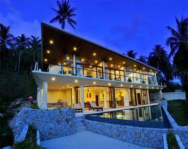 Photo for ❤️ Stylish 4 BR Villa ⭐For Families & Groups ⭐ Private Pool ⭐ King Size Beds!