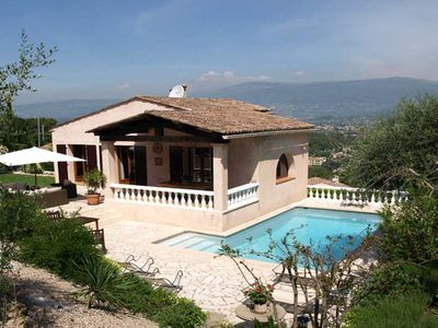 Photo for Lovely 3 bedroom villa with pool - easy walk  to Mougins village