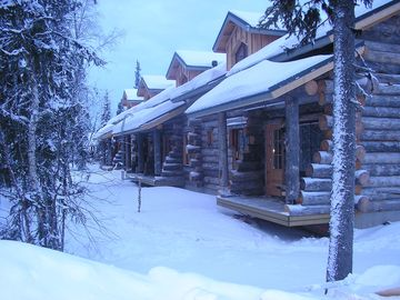 Traditional Ski Cabin in lovely forest setting in Akaslompolo, Yllas