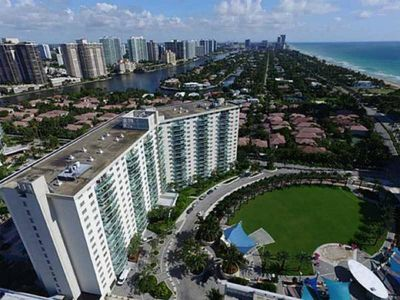 Photo for 1 BED SUNNY ISLES 4 MIN WALKING TO THE BEACH PARKING INCLUDED OCEAN RESERVE