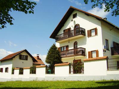 Photo for Casa Emanuela is located only 9 km from the national park, 6 from the caves of Barac