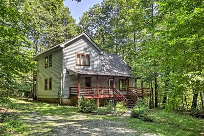This vacation rental home sits within minutes of skiing, hiking, and more!