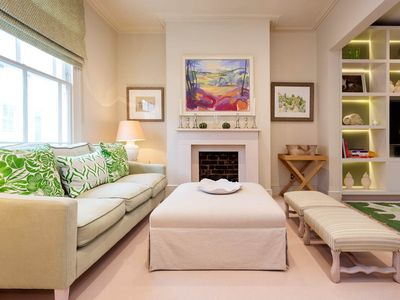 Photo for On a picturesque Notting Hill street, a stunning & vibrant family home (veeve)