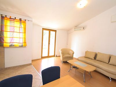 Photo for Apartment Inoma in Makarska - 4 persons, 1 bedrooms