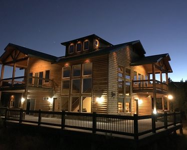OPEN! Luxury log cabin in the ZION mtns., privacy, pool access, 10 min. to Zion