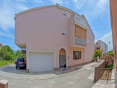 Photo for 1BR Apartment Vacation Rental in Ka��tel ��tafilić, Split riviera