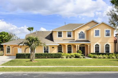Amazing luxury home away from all the hustle & bustle yet 10 minutes from Disney
