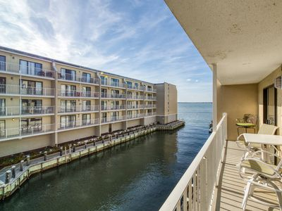 Photo for Bayfront condo w/ beautiful views & shared pool - walk to beach/Seacrets!