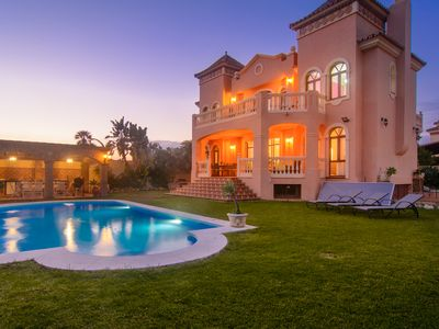 Photo for Montecarlo villa with salt water heated pool 9.5mx5m, outside bbq area