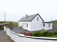 Very nice cottage, owner was cordial and helped us with anything we needed.