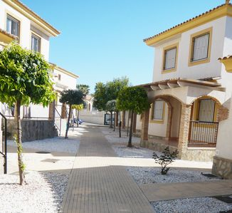 Photo for Lovely terraced holiday house with community pool