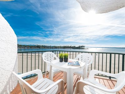 Photo for Air-conditioned Apartment Directly on Beach with Pool, Balcony, and Wi-Fi