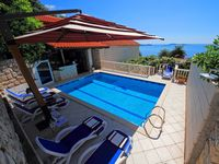 Lovely, spacious villa with private swimming pool.