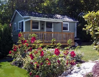 Photo for Updated 2 Bedroom cottage with beautiful views of Lake; walk to all attractions!
