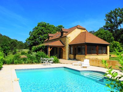 Photo for Milhac, beautiful villa with large garden and private swimming pool
