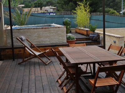 Photo for Charming residence of 110m2 air-conditioned between Uzes and Avignon.