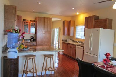 Large gourmet kitchen equiped with all your cooking needs.
