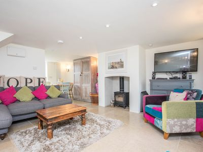 Photo for 3 bedroom Cottage in Charmouth - DC080