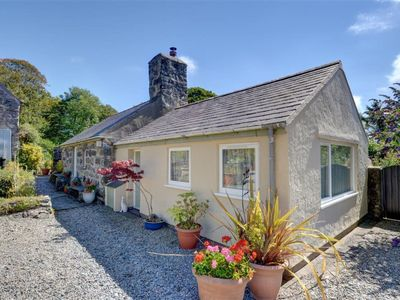 Photo for 2BR Apartment Vacation Rental in Llanystumdwy, Wales