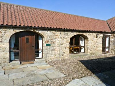 Photo for FOXHOLES, pet friendly, with a garden in Staindrop, Ref 895